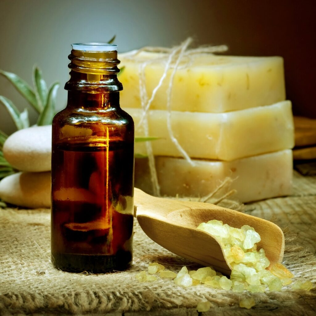 The Essential Therapeutic Benefits of Essential Oils